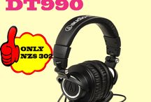 Headphone / Tip Top Electronics is an online electronic store to buy the most comfortable headphones designed to offer a brilliant sound experience.