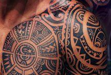 Tetovált pasik