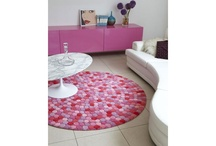 Round Rugs / Round rugs lend themselves to confined areas and awkward spaces.  Perfect under circular pieces of furniture and contemporary corner suites, round rugs offer a multitude of design options without compromising floor space, available in a large assortment of styles, designs and colours, the ideal choice when straight lines just won't do.