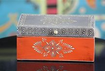 Hand Painted Jewelry Boxes / Hand painted wooden jewelry and trinket boxes in contrasting colors. Use these to organize your dresser top or simply as a decorative accent.