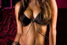 lookin good in denim / love a woman in denim. no nudity please