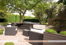 Tuin met jacuzzi / Tuin met jacuzzi, ontwerp & aanleg door Van Sleeuwen Hoveniers - Veghel. Meer informatie treft u op www.vansleeuwenhoveniers.nl.