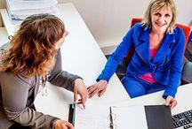 Kantoor / Isolatie, glasgevels, verlichting en apparatuur: het wordt steeds warmer op kantoor. Om de prestaties op peil te houden is goede koeling en ventilatie van uw kantoor tegenwoordig dan ook pure noodzaak. Maar, ook in de wintermaanden moet uw personeel lekker kunnen werken. Daarom heeft Klimaatgroep Holland de drie belangrijkste klimaatelementen voor u gecombineerd tot het Inside Comfort-concept: ventileren, verwarmen en koelen met één klimaatsysteem.