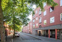 Te koop | Markt 40 Beek / Leuk appartement in goede staat aan de Markt in Beek. Uitzicht aan beide zijden. Twee ruime slaapkamers met muurkasten, een ruim balkon(6,65x1,3m), keuken, badkamer en apart toilet.