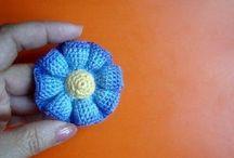 Kwiatek ze środkiem kolorowym