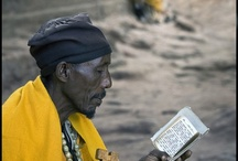 Lesende Männer