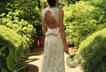 Say YES to the dress! / Wedding dresses / by Hannah Youmans
