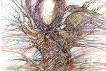 """""""PRE-UMANO E POST-UMANO"""" – Personale di Alberto Scalas (31 gennaio-3 marzo 2014) / Alberto Scalas, nato a Milano nel 1947, ma vissuto tra Oristano e Cagliari, con la sua opera ci induce a sentire una responsabilità per la vita nostra e per quella altrui. Quasi lo urla con quei tratti decisi che ritraggono sguardi e sembianze dove le nostre fattezze si confondono con quelle degli animali, in un gioco costante di specchi."""