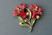 Vintage Garden Brooches / Vintage botanical pins & brooches