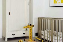Stokke Sleepi / Round and beautiful the iconic Stokke Sleepi cot grows with your child from birth to around 10 years.