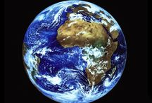 frasi e detti relativi a chi ama viaggiare / Il mondo è un libro, e chi non viaggia legge solo una pagina. #globo #poesia #viaggiare #nuoveesperienze #conoscenza #amiciza