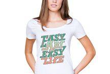 Style dein Abi-Motiv! / Nice Motive kommen nur gut auf schönen Shirts. Lasst euch von unseren besten Motiven und der neuen Kollektion inspirieren. Abishirts finden ganz easy mit eurer Schuldruckerei.