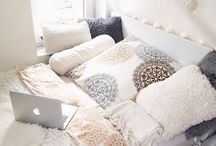 Bedroom / Bedroom inspiration. From teen tumblr to classy apartment, it's all here.