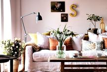 pink sofa //