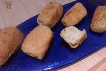 POTATO CROQUETTES  gluten free / Kitchen Wisdom Gluten Free Potato Croquettes Recipe  http://kitchenwisdomglutenfree.com/2013/12/14/potato-croquettes-gluten-free-forget-what-you-know-about-wheatc-december-2013/
