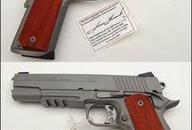 Gun / 銃・刀剣