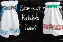Kitchen Tutorials / Brighten up your kitchen with these kitchen tutorials made with quilt fabric (no quilting required).