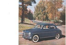 Autoja eri aikakausilta ja eri maista.