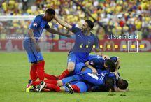Fußball-Europameisterschaft 2016 in Frankreich / 24 Teams kämpften im Sommer 2016 in Frankreich in 51 Spielen um den EM-Titel. Am Ende gewann Portugal das Endspiel in der Verlängerung gegen den Gastgeber. Jeder Pin steht für ein Spiel und ist verlinkt zum Fotodossier des Spiels auf unserer Website - mit insgesamt 51.000 Fotos der Euro 2016 direkt zum Lizenzieren für redaktionelle Nutzungen.