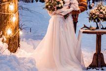 Winterhochzeit / Sind Sie auf der Suche nach Vorschlägen für eine Winterhochzeit?  Dann sind Sie hier genau richtig!  Auf Moderne Hochzeit finden Sie unter Ratgebern im Bereich Winterhochzeit viele Ideen und Tipps.