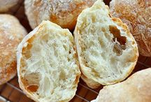 FOOD - BREAD AND ROLLS