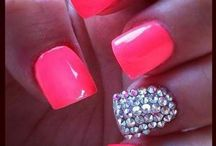 Beautiful nails / You can make it at home.