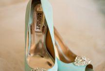 Something Blue / A touch of blu at your wedding  Follow us on www.wineweddingitaly.com
