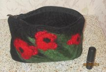 cosmetic bag / Handmade.Cosmetic bag made of 100% wool.Can do any size and any color.