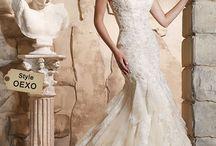 Fall 2015 / Collection Fall 2015 ¡Agenda una cita con nosotros! www.morilee-bridal.com #Vestidos #vestidosdenovia #matrimonio #boda #novia #wedding #weddingdress #lace #embroidery vestidos de novia, amor, vestidos, boda, matrimonio, mori lee, morilee, morileebridal