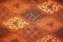 Batik dan Ukiran Indonesia / Batik dan Ukiran Indonesia
