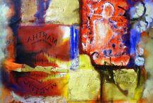 """Exhibition """"CARMEN GUIMARÃES"""" / """"Nos trabalhos da artista brasileira Carmen Guimarães, formas, cores e acordes dialogam em harmonia. Partituras ocupam uma posição singular nas obras, a artista decompõe as perspectivas, recombina os elementos até formar novas estruturas que situam-se no limite da realidade"""" (José Roberto Moreira, curador e galerista)."""
