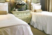 bedroom ideas / by Yolanda Yamamoto