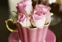 Çiçekli fincan