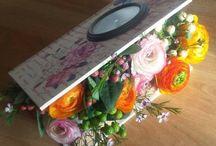 Cadouri cu suflet / Flori frumos ambalate, daruite celor dragi