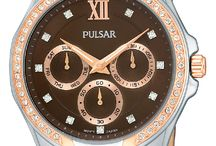 Ladies Watches / High Fashion or Casual, Pulsar has a watch for all of her fashion needs.