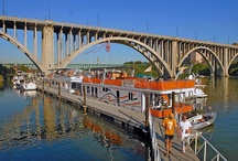 Vol Navy / Photos of the Volunteer Navy on game day on Loudoun Lake in Knoxville, TN.