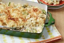 Side Dishes ~~ Macaroni & Cheese / by Melissa Andrade