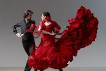 I love 2 dance / by Iris Yosef