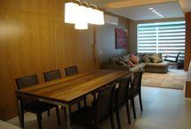 Base neutra e materiais naturais no projeto de interiores / Apartamento em Florianópolis de 110 m² foi totalmente remodelado