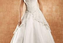 Saison Blanche Wedding Gowns