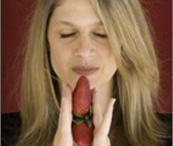 raquel / End the Diet War.com where women make the RADICAL choice- to love their bodies / by End The Diet War