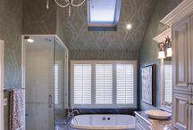 Bathroom Ideas / Everyone loves a good bathroom remodel