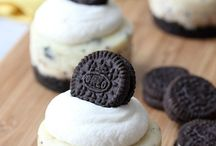Mini Cookies and Cream Cheesecakes Recipe from bakedbyrachel.com