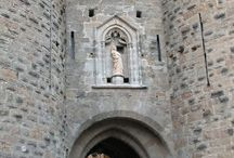 Carcassonne, Poitiers, Toulouse & Pyrenees