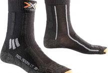 CHAUSSETTES SPORT / Les chaussettes sont un élément indispensable en randonnée, Trail Trekking, Alpinisme...  Les technologies et matières des chaussettes de randonnée Les chaussettes de randonnées Les chaussettes en laine Les chaussettes en laine mérinos de synthétique qui est utilisé.  Les chaussettes de bonne qualité sont sans couture et leur tricotage fait beaucoup varier leurs performances. La présence de bouclette est généralement très utilisée par les marques.