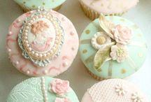 Muffin, Cupcake.