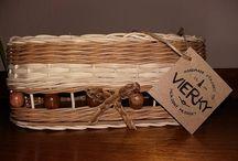Výrobky z pedigu / Pletiem úžitkové a dekoračné predmety z prírodného materiálu pedig (ratan).