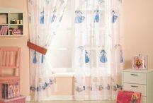 Для Детей. Шторы для Детской Комнаты! / Шторы для детской комнаты являются важной деталью в создании атмосферы домашнего уюта, комфорта. Они способны в одночасье преобразить помещение ребенка, наполнить его волшебной аурой. Сегодня шторы для детей поражают своим ассортиментом: обилием всевозможных расцветок, фасонов, текстур.