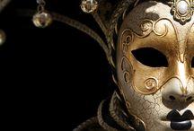 Fashionismo Vamp: Máscaras / Anualmente o portal REDE VAMP realiza um grande Baile de Máscaras no evento FANGXTASY The Authentic Vampyre Night, oferecemos aqui inspirações e sugestões de máscaras para os participantes desta edição de 15 de Novembro de 2013(feriado) no Poison Bar e Balada...Saiba mais sobre o evento em http://www.redevampyrica.com/fangxtasy