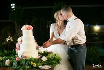 Wedding Cake Floral by Greenery / Wedding cakes decorated with fresh floral accents.